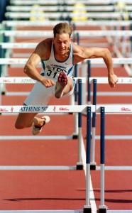 Antti Haapakoski juoksi vuoden 1997 MM-kisoissa Ateenassa toisissa alkuerissä ajan 13,72, mikä ei riittänyt välieräpaikkaan. Kuva: Lehtikuva/Jaakko Avikainen