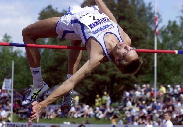 Oskari Frösen oli kenties parhaimmillaan 14 vuotta sitten, jolloin MM-Edmontonin alla ylittyi 230.  Kuva: Lehtikuva/Jaakko Avikainen