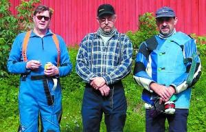 SaSAn kolmikko Jorma Koski (vas)., Jorma Uusitorppa ja Pentti Vavuli vuosituhannen alussa.