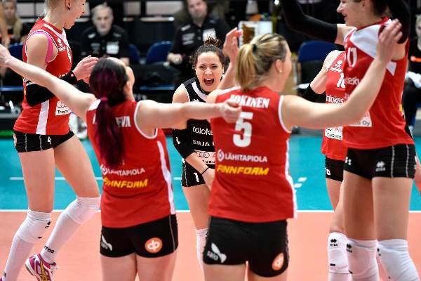 Roosa Koskelo on Suomen paras libero ja Salon vuoden 2015 paras urheilija.