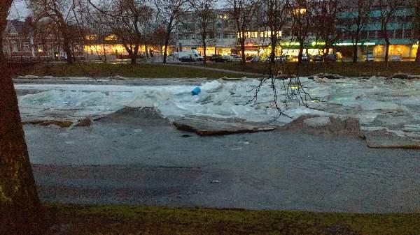 Kaisa Sjöholm sai tallennettua tynnyrin lähdön Salonjoesta.