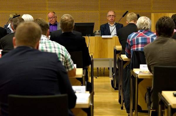 Salon kaupunginjohtaja Antti Rantakokko valtuuston kokouksessa vuonna 2013.