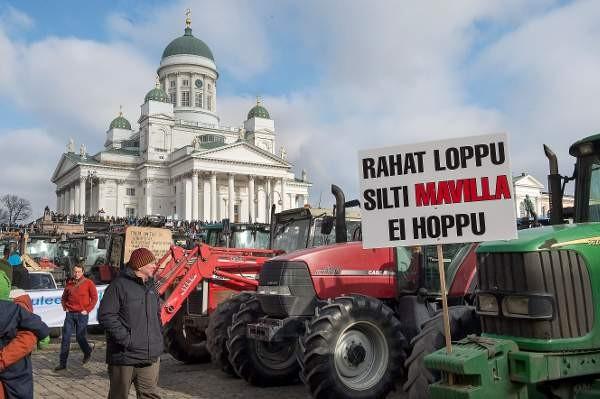 Viivytykset maataloustukien maksatuksissa on ajanut monet viljelijät ahtaalle.