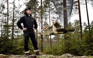 Sami Uotila joutui pienkoneellaan tekemään pakkolaskun läheläl omistamaansa Hiidenlinnaa Somerniemellä. Arkistokuva: Marko Mattila.