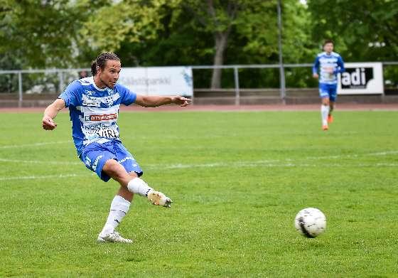 """SalPan oma kasvatti Iku Leino pelasi täyden ottelun """"Joutsenten"""" riveissä."""