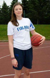 Helmi Tulonen on suomalaisen koripallon ehkä kovin tyttölupaus.