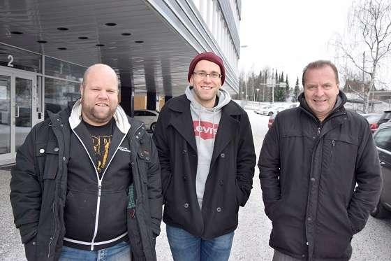 Joonas Suominen, Mika Vainio ja Arto Lepistö esiintyvät elokuvallisissa osuuksissa Erään matkapuhelimen tarina -dokumentissa. Kuva: SSS/Veli-Matti Henttonen