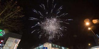 Ilotulitteet valaisivat salon keskustan taivasta viimeksi marraskuussa, kun Kauppakeskus Plaza vietti perinteistä joulunavaustaan Arkistokuva: SSS/Marko Mattila