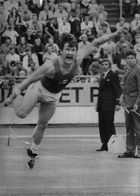 Äänekosken pikkujättiläinen Jorma Kinnunen kilpaili urallaan kymmeniä kertoja Helsingin olympiastadionilla.