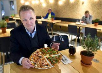 Saku Hautalan omassa pitsasuosikissa on muun muassa savustettua lohta.