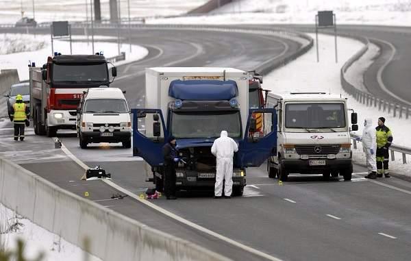 Arvokuljetusauto yritettiin ryöstää helmikuussa 2016 Suomusjärvellä.