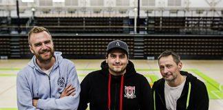 IBK Medan Otto Syvähuoko (vas.), Daniel Rantanen ja Jouni Forsman ovat tyytyväisiä siihen, että joukkue sai haalittua kesän aikana salolaislähtöiset huippupelaajat takaisin kotikonnuilleen.