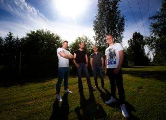 Laulaja Matti Palenius (vas.), kitaristi Lauri Vilhonen, basisti Jussi Sinervo ja rumpali Tuomas Hillervo ovat yhtä kuin Joku Paikallinen Bändi. Palenius ja Hillervo ovat alun perin Kemistä.