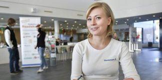 Studentum.fi-koulutuskiertueen Piia Sillanpää kävi Salon lukiolla kertomassa opiskelijoille koulutusvalinnoista ja niitä helpottavasta nettisivustosta.
