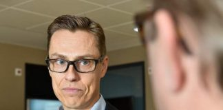 Valtionvarainministeri Alexander Stubb kehui Smartsalon ja Salon asennetta vaikeista ajoista huolimatta.
