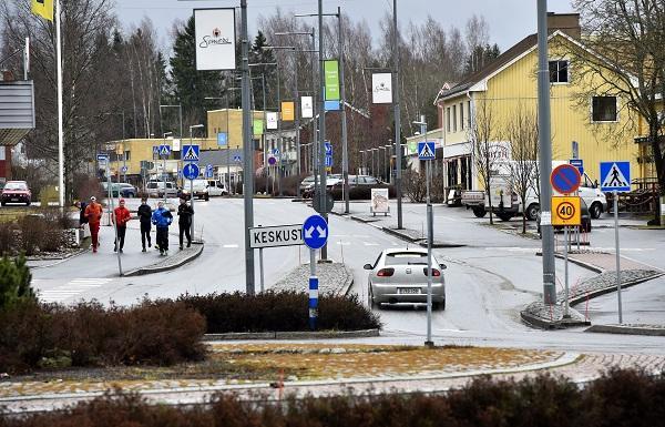 Somerolla aikamatkaillaan vanhaan keskustaan ja kyläkauppoihin | SSS.fi