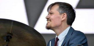 Salolaistaustainen Teppo Mäkynen soittaa tänä vuonna Linnan juhlissa.