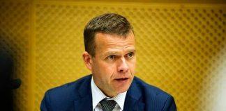 Sisäministeri Petteri Orpo kertoo, että poliisin näkökulmasta kaukana olevia vastaanottokeskuksia suljetaan.