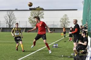 Keltamusta Wilpas on kauden mittaan osoittautunut huomattavasti Salon Tovereita paremmaksi joukkueeksi. Kauden keskinäisten otteluiden voitot ovat kuitenkin ennen lauantaita 1-1.