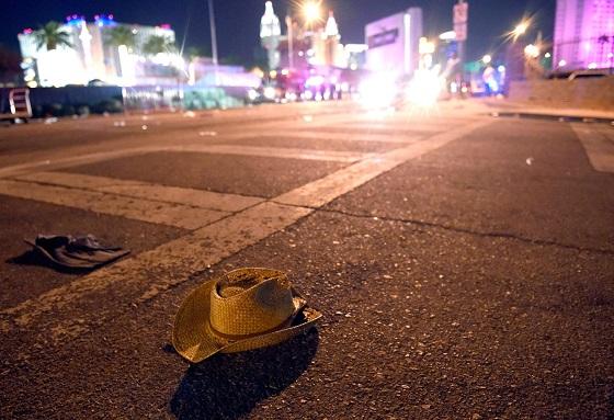 Las Vegasissa tulitettiin ulkoilmakonsertissa väkijoukkoa. Kuva: Lehtikuva/AFP/David Becker