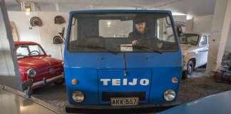 Salon Teijolla valmistettiin Teijo-kuorma-autoja 248 kappaletta. Nyt niitä on Teijon lasikuituisen ohjaamon sisällä istuvan Jyrki Kareniuksen mukaan Suomen rekisterissä 14 kappaletta.