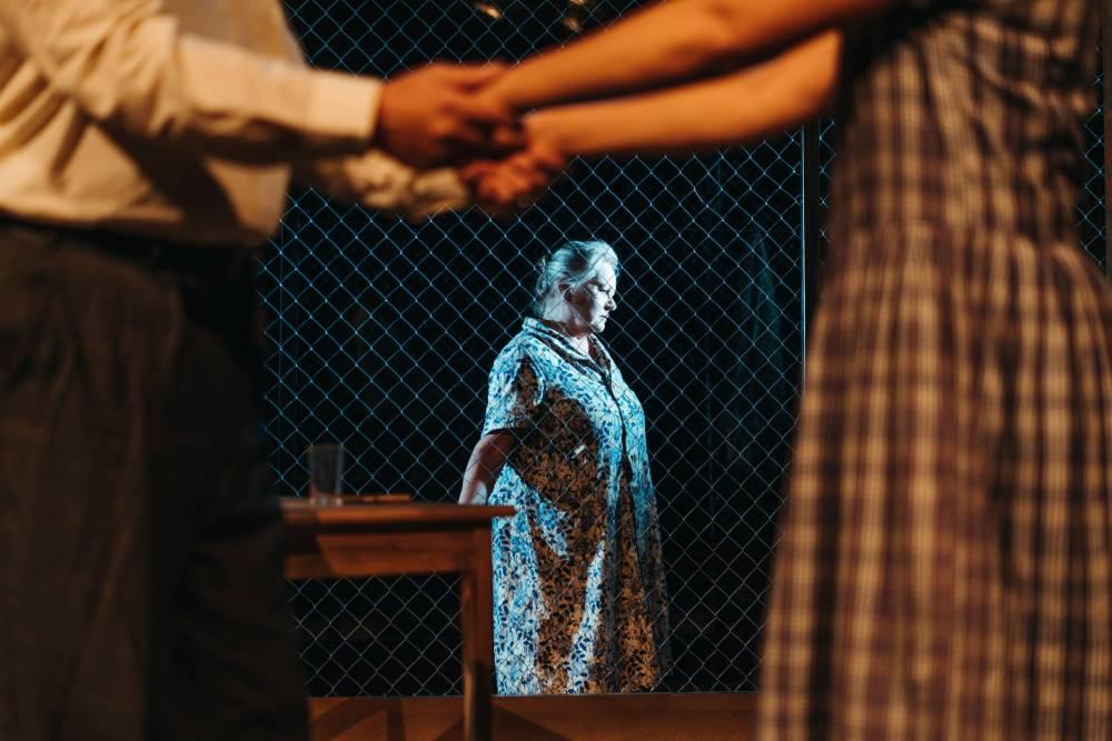 Puhdistus Näytelmä